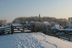 De dijk in de winter